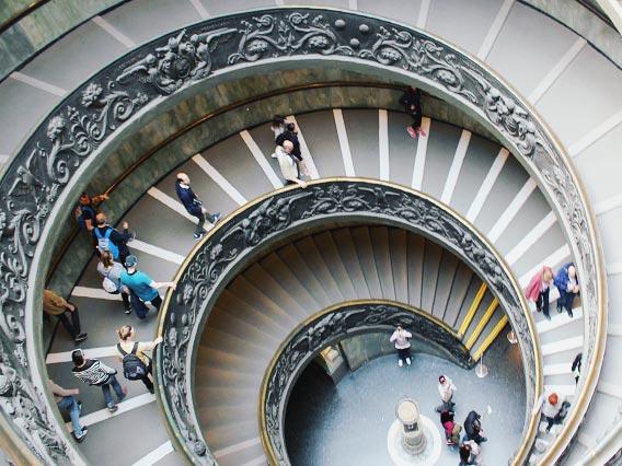 バチカン美術館の螺旋階段
