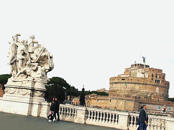 バチカン市国の観光スポット「サンタンジェロ城」