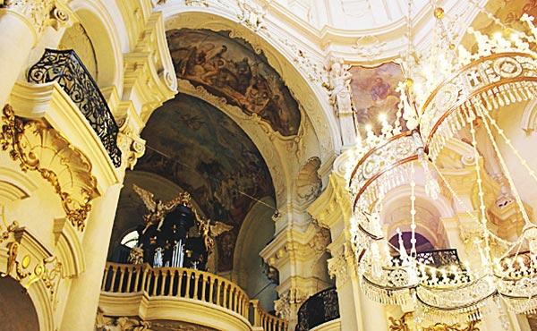 チェコ旅行するなら絶対訪れたい!心奪われる3都市の魅力