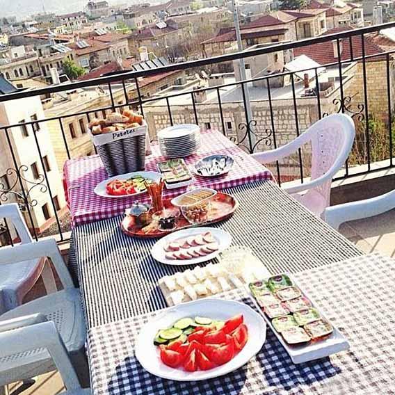トルコのペンション「ISHTAR CAVE PANSION」での食事