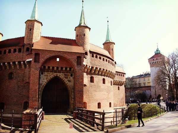 世界文化遺産に登録されている旧市街エリアの入り口