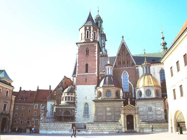 クラクフのシンボル的存在のヴァヴェル城