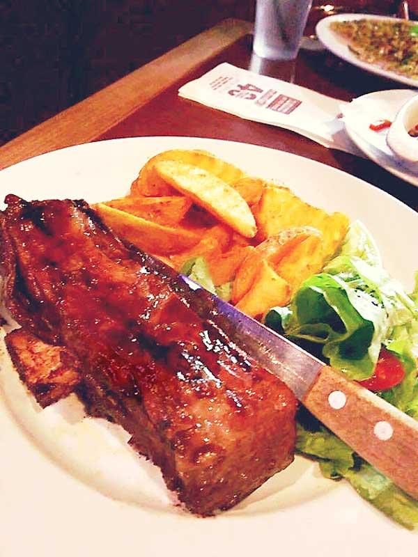 レストランPANCAKE ON THE ROCKSのステーキ
