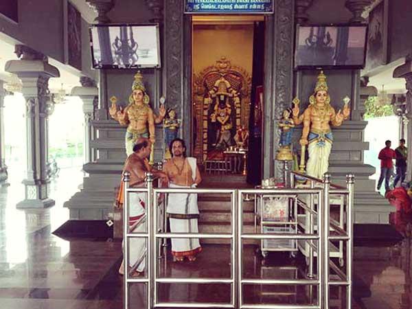 ヒンドゥ寺院の僧
