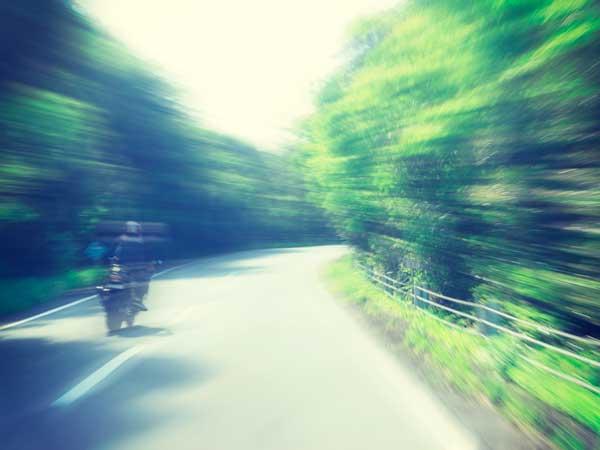 ドライブするバイク