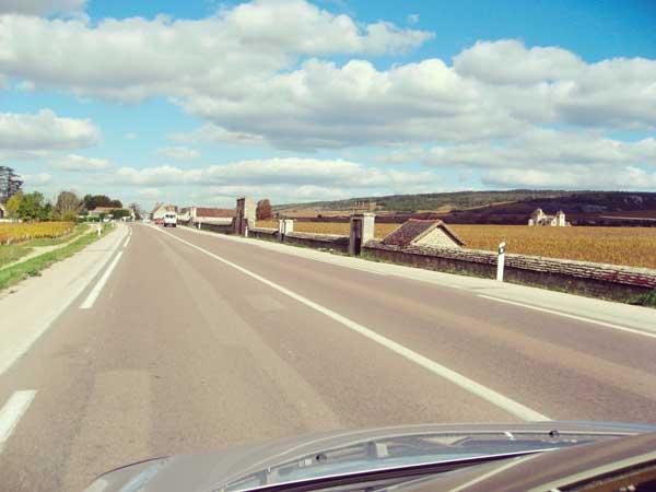 田舎の道のドライブ
