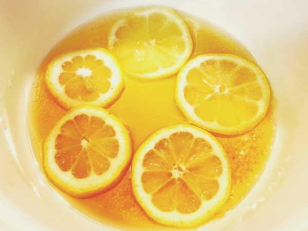 レモンを煮る