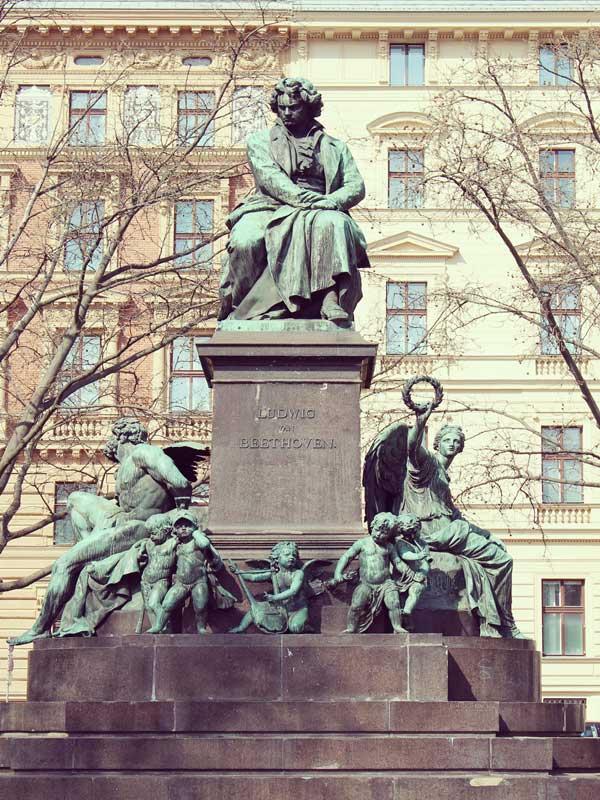 ウィーンのヴェートーベン像