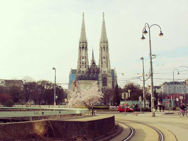 遠くに見えるシュテファン大聖堂