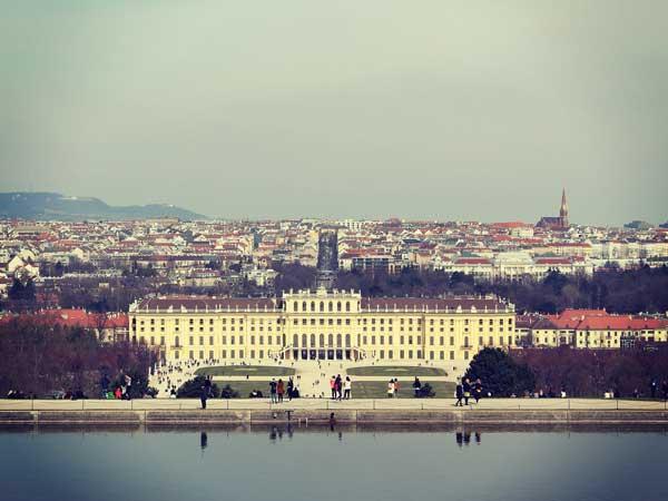 グロリエッテから眺めたシェーンブルン宮殿