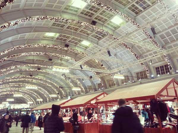 ストックホルム駅構内のXmasマーケット