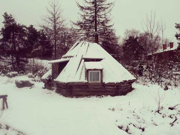 北極圏サーミ人の家