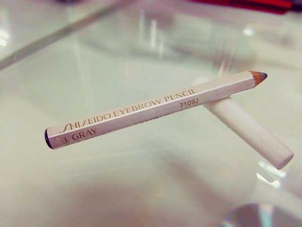 資生堂の眉墨鉛筆