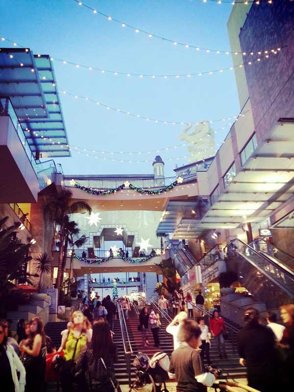 ハリウッドハイランドの渡り廊下