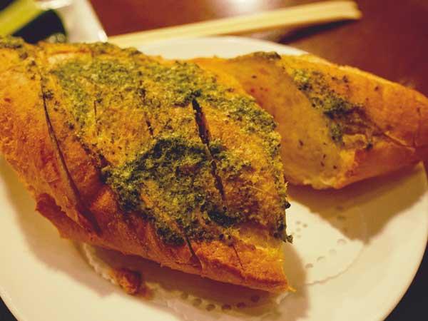 ビアホフ ガンバリウスで食べたフランスパン