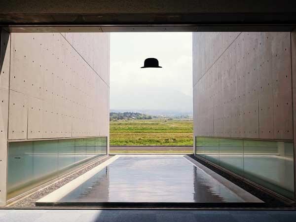 植田正治写真美術館の窓から眺めた風景