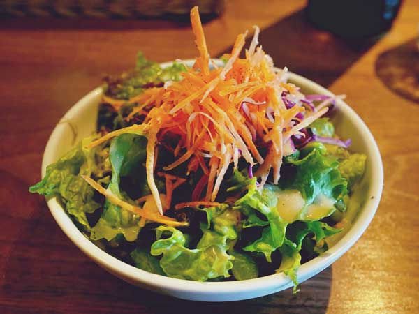 バールパッセジャータの野菜サラダ