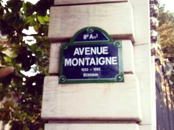 Avenue Montaigneのプラーク