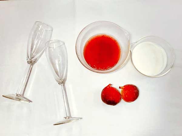 イチジクと苺のつぶつぶフルーチェ材料