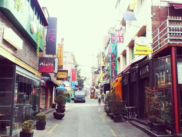 トレンドの流れを実感できる韓国イテウォンの街並み