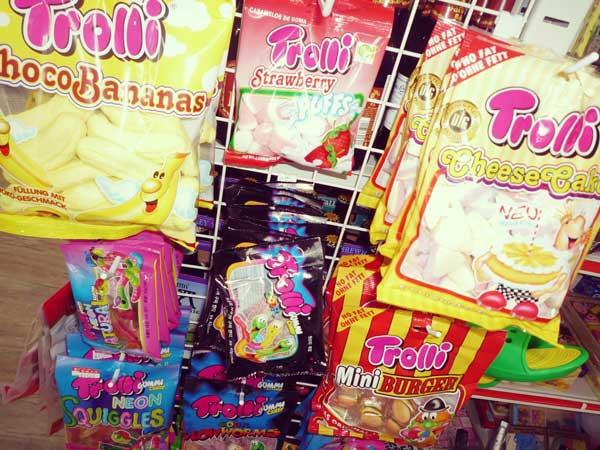 インポート店で売られている海外の菓子