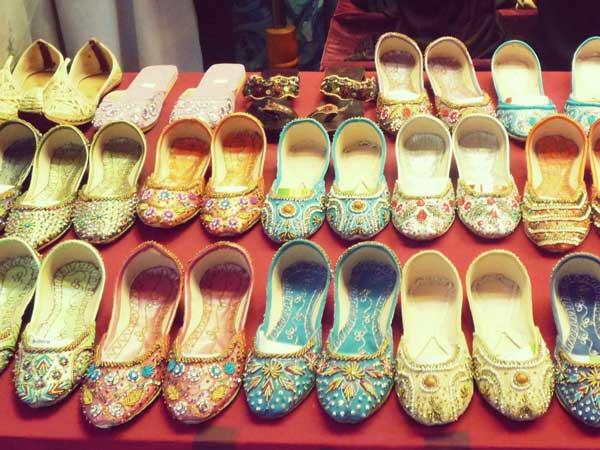 ヘジャブと靴