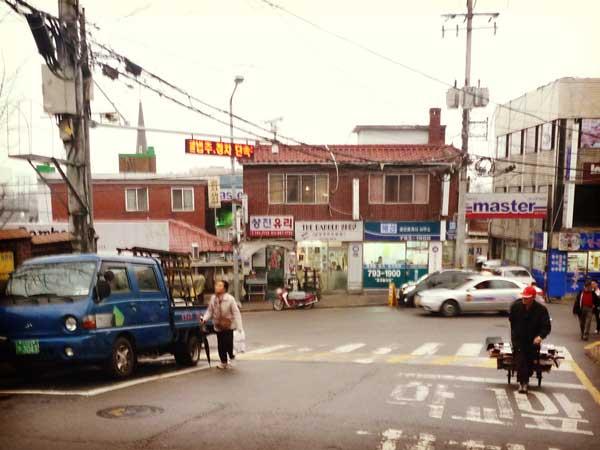イテウォンにある通りの風景