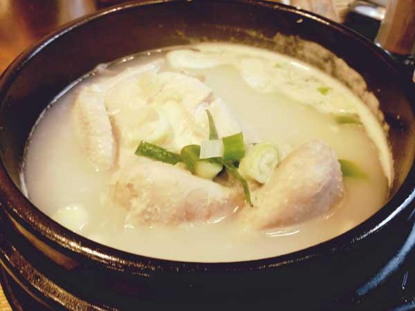 栄養たっぷりの参鶏湯