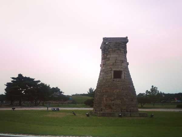 日中の古代の天文台チョムソンデ