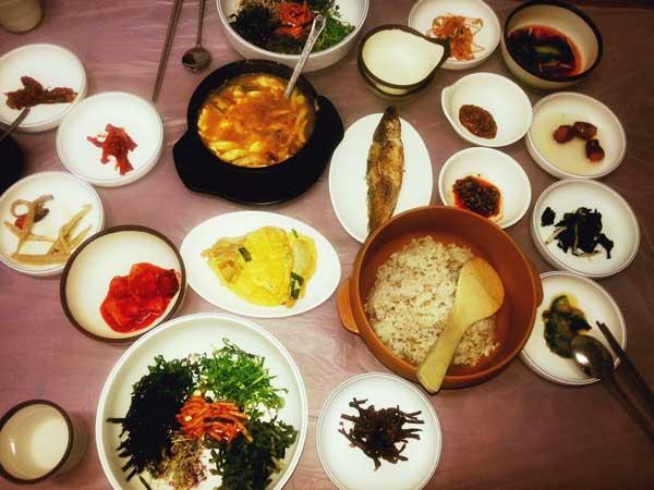 淑英食堂で食べたチャルポリ定食
