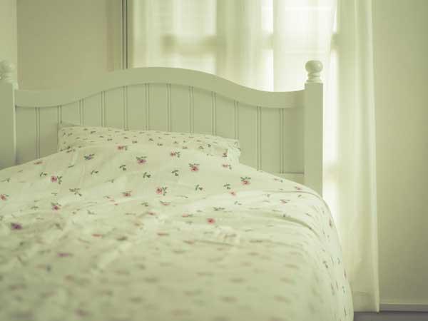 就寝用のベッド