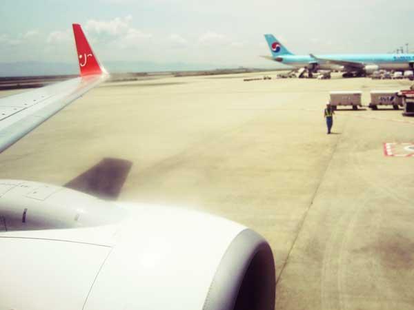 韓国へ向かう飛行機