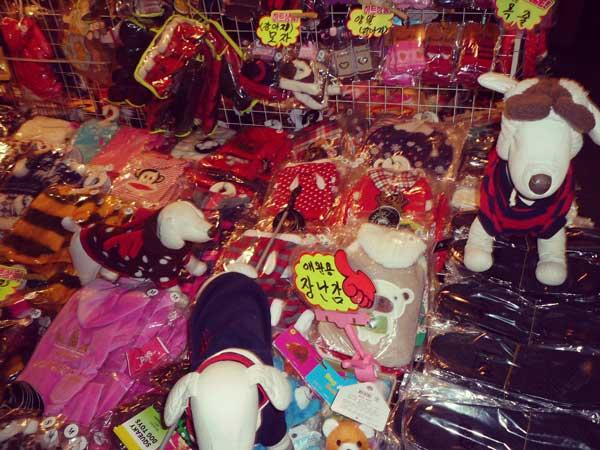 韓国ホンデの屋台で売られていた雑貨