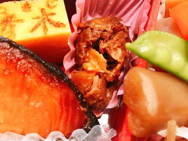 東京駅弁のおかずは浅草今半の牛肉佃煮や築地すし玉青木の卵焼きなど