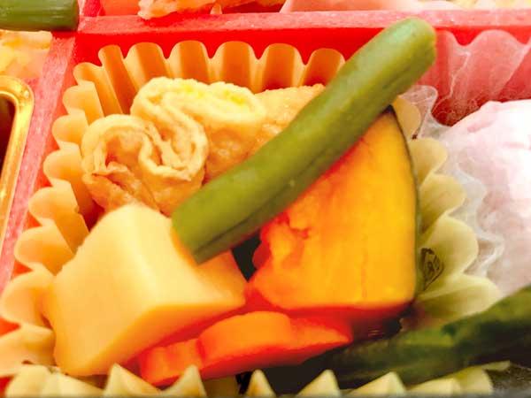 日本のおもてなし弁当の煮物
