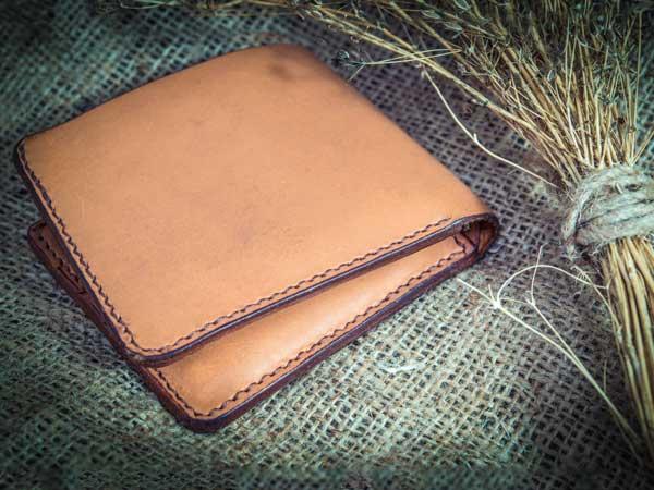 男性用本革の財布