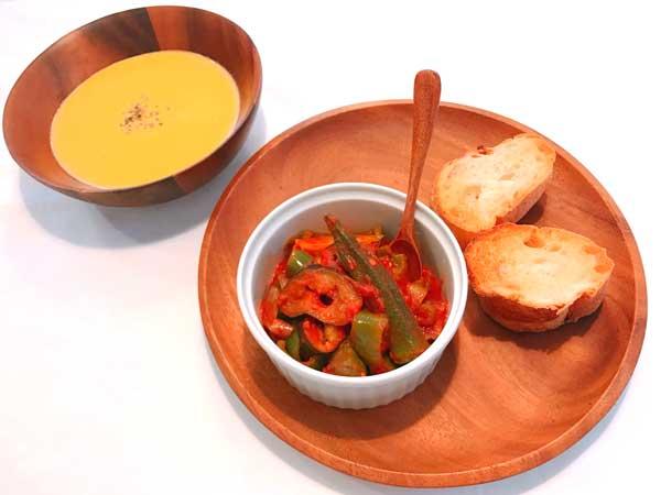 料理の温もりがアップする木製の食器