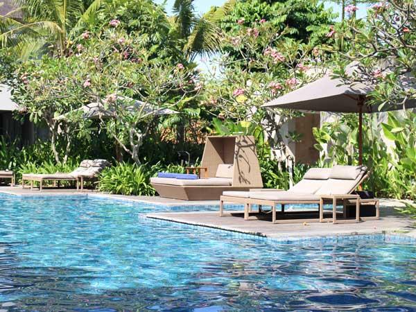 バリ島のサヌール・ビーチの風景