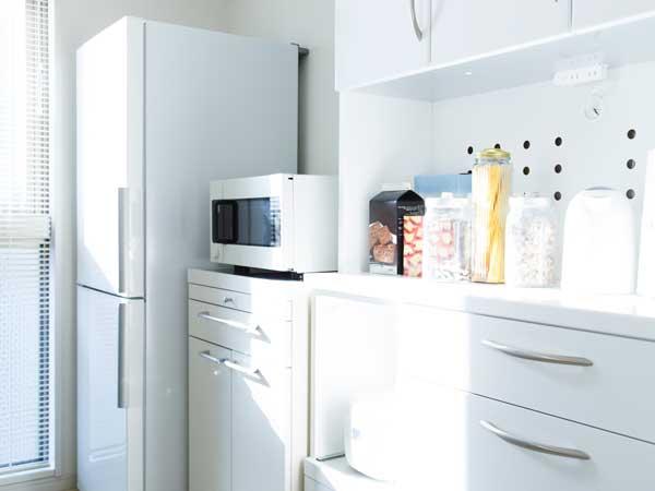 電子レンジ、冷蔵庫など生活に必要な家電製品