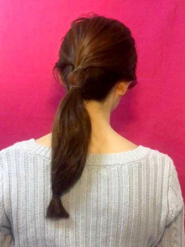 髪の毛を三か所ゴムで結んだ状態