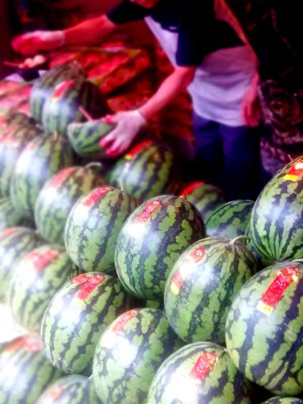 京東市場で売っていた大きな西瓜