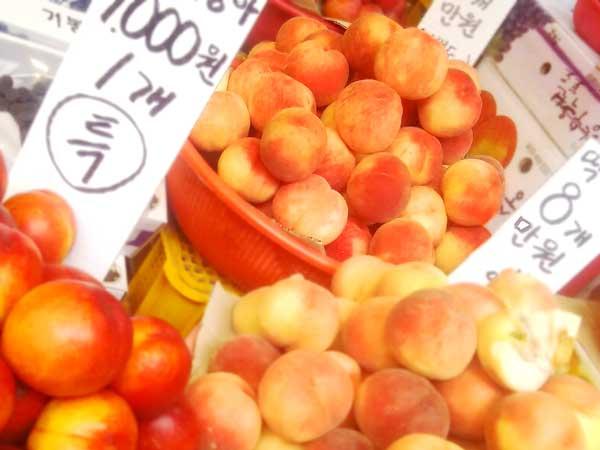 京東市場で買った黄桃