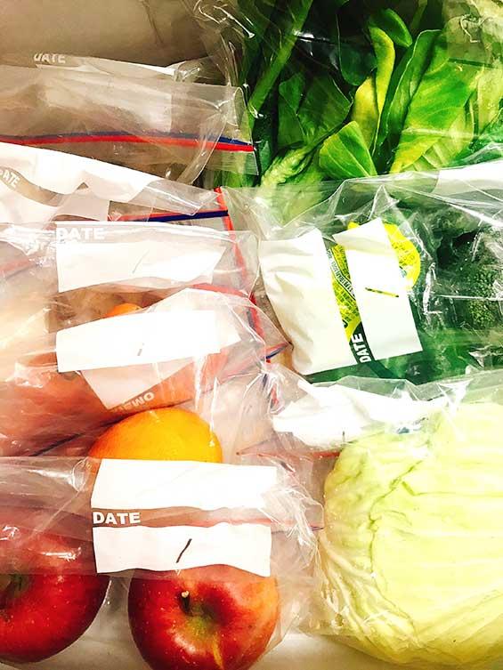 ストックバッグ使用で野菜室に綺麗に収納した食材