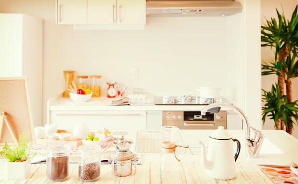 キッチンの収納術・安くて便利でシンプルなグッズを大活用