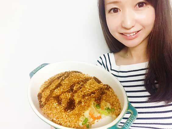 野菜スコップコロッケのレシピを紹介する料理研究家の伊賀るり子