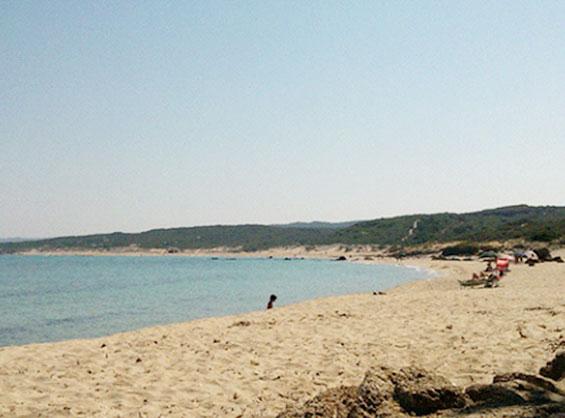 サルデーニャ島の海水浴場の中でも人が少ない静かな穴場スポット的な浜辺