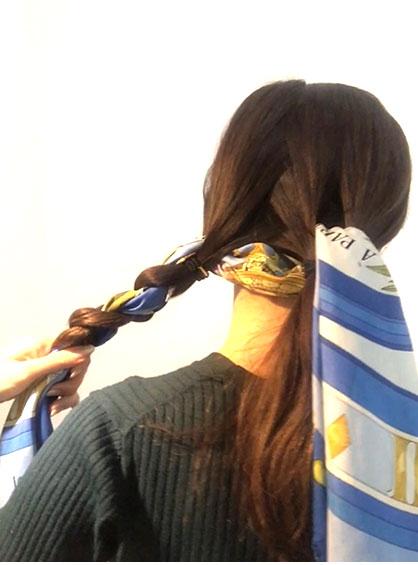 wear-scarf-in-hear-braided-02-17