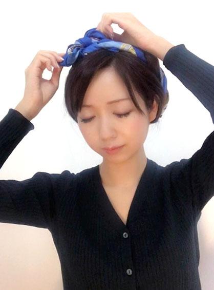 wear-scarf-in-hear-braided-02-20