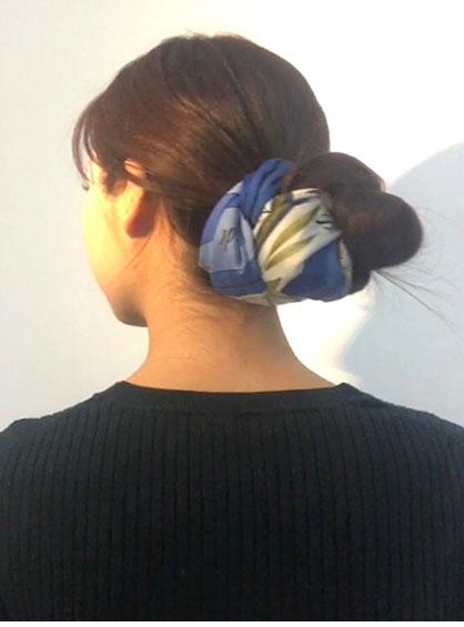 三つ編みシニヨン完成形を斜め後ろから見た状態